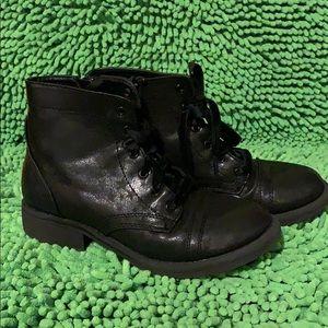 Little girls black boot
